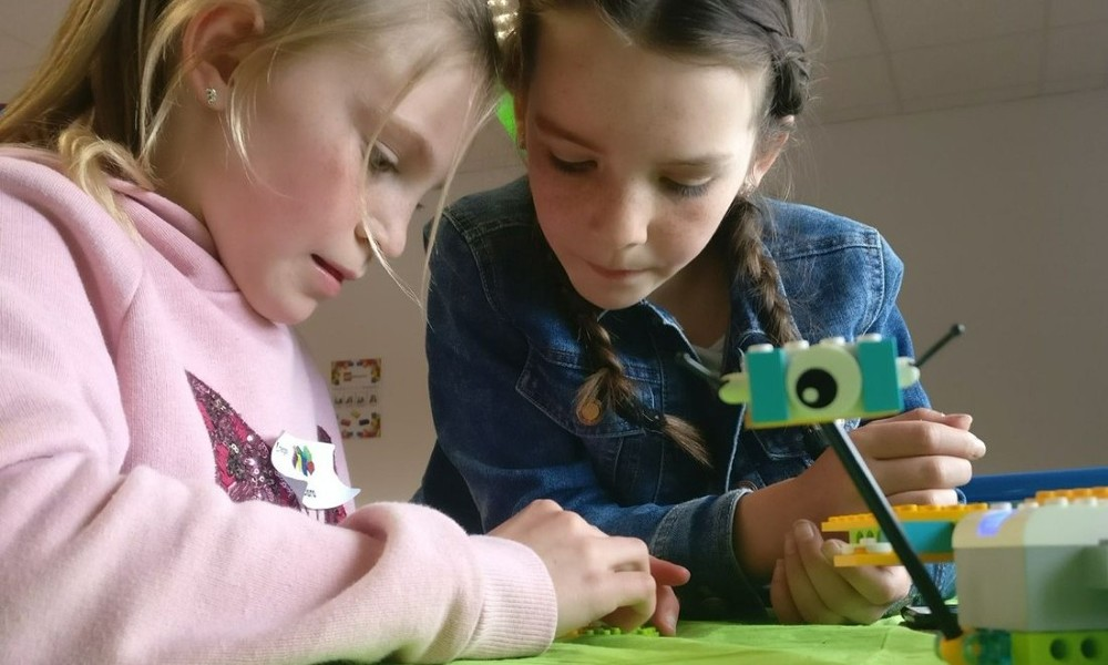 Mergon International Family STEM Workshops